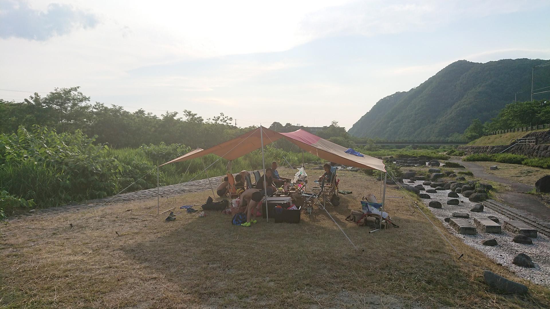 馬見ケ崎川で川遊びデイキャンプ