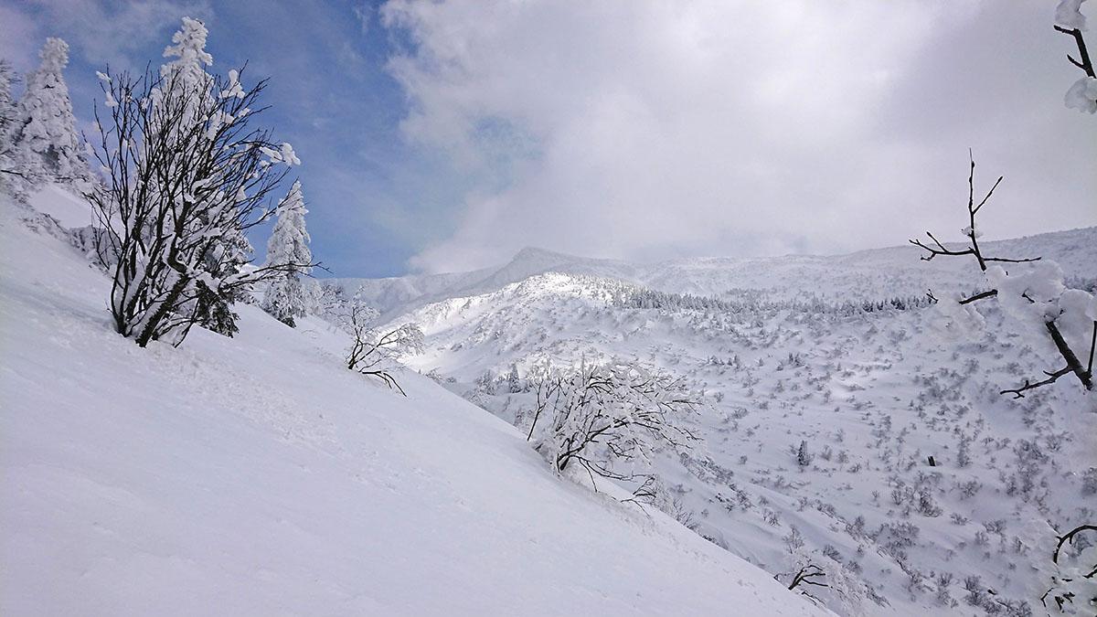 蔵王沢で懸垂下降のトレーニング