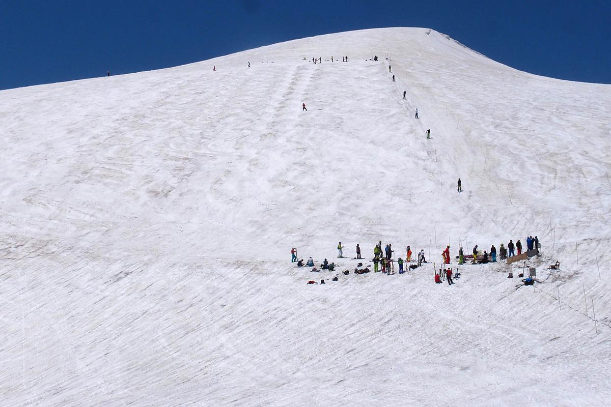 月山スキー場でのんびりハイク&テレマークスキー