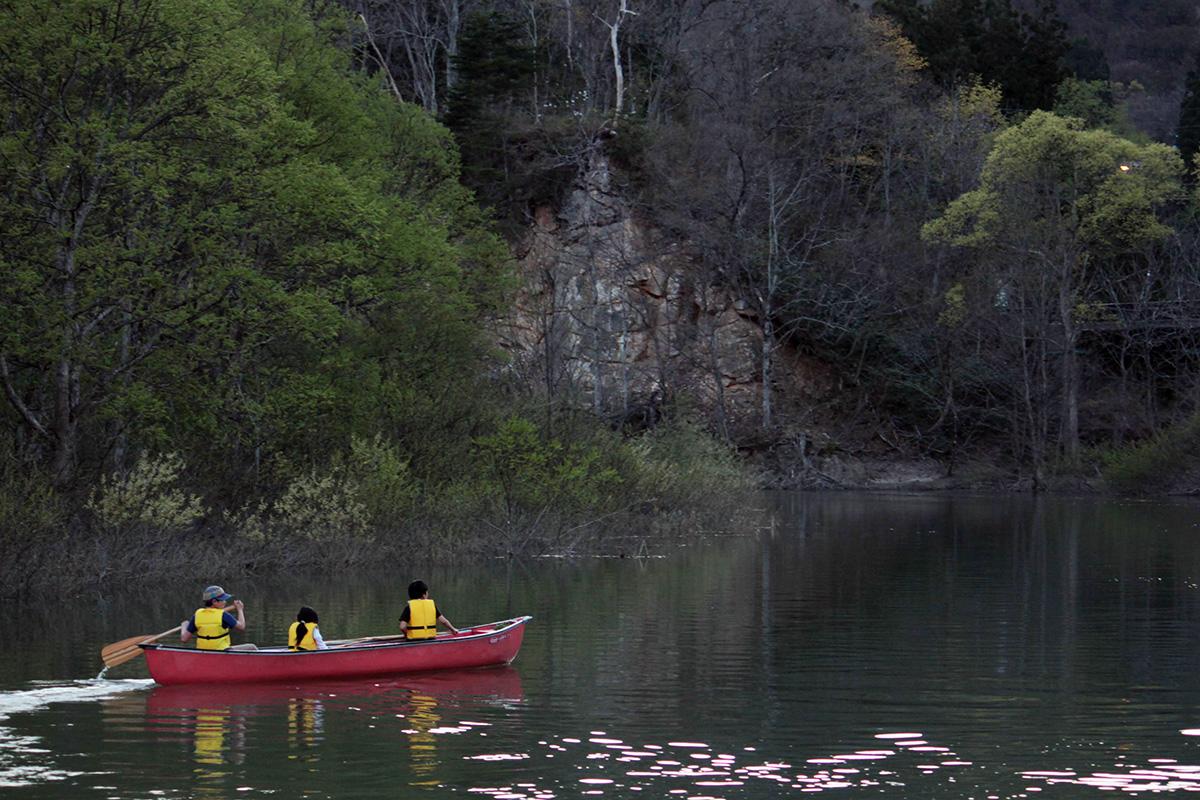 白川湖で幻想的な水没林を愉しむカヌーキャンプ 前編