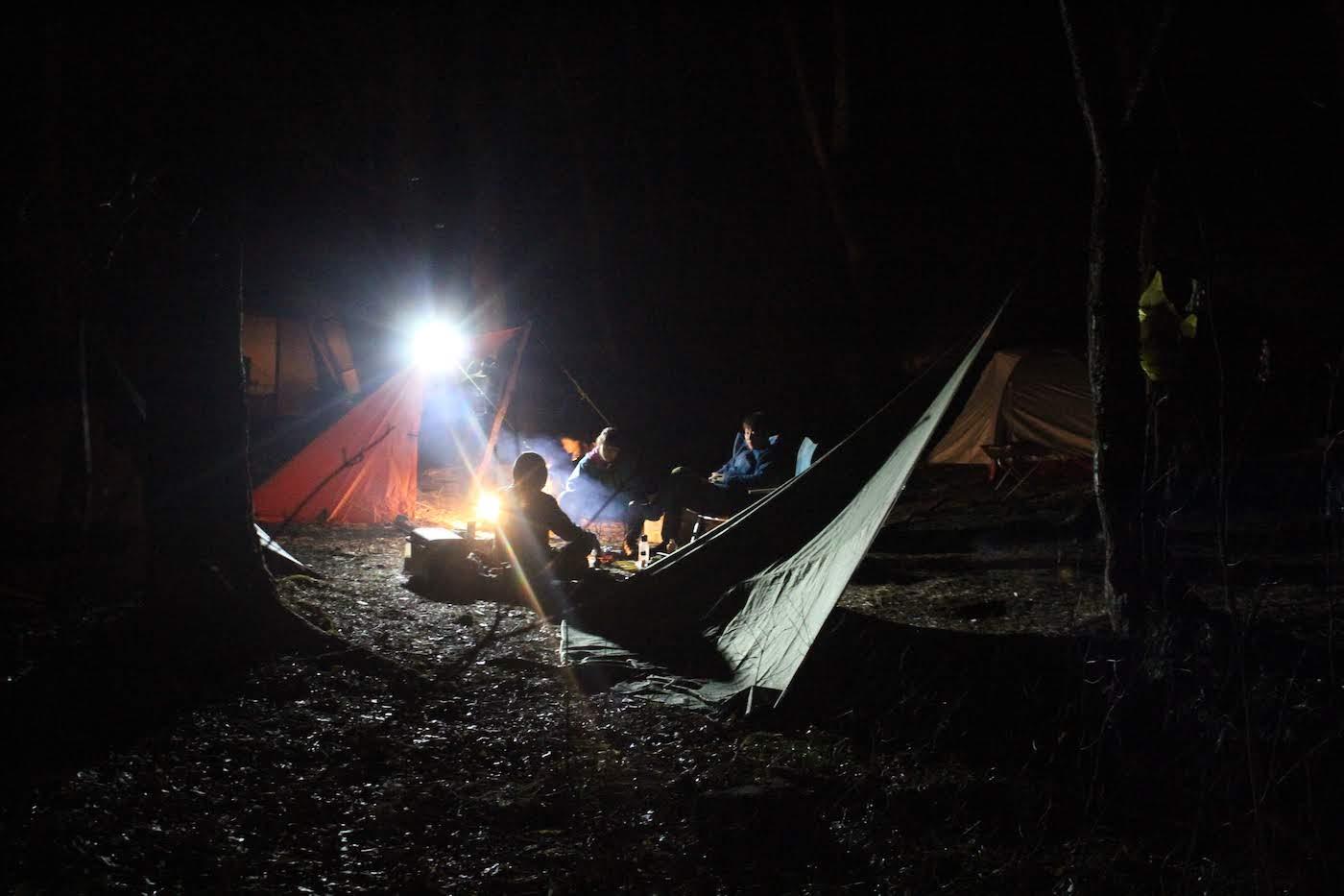 本宮キャンプ場で予想外の雪中キャンプ