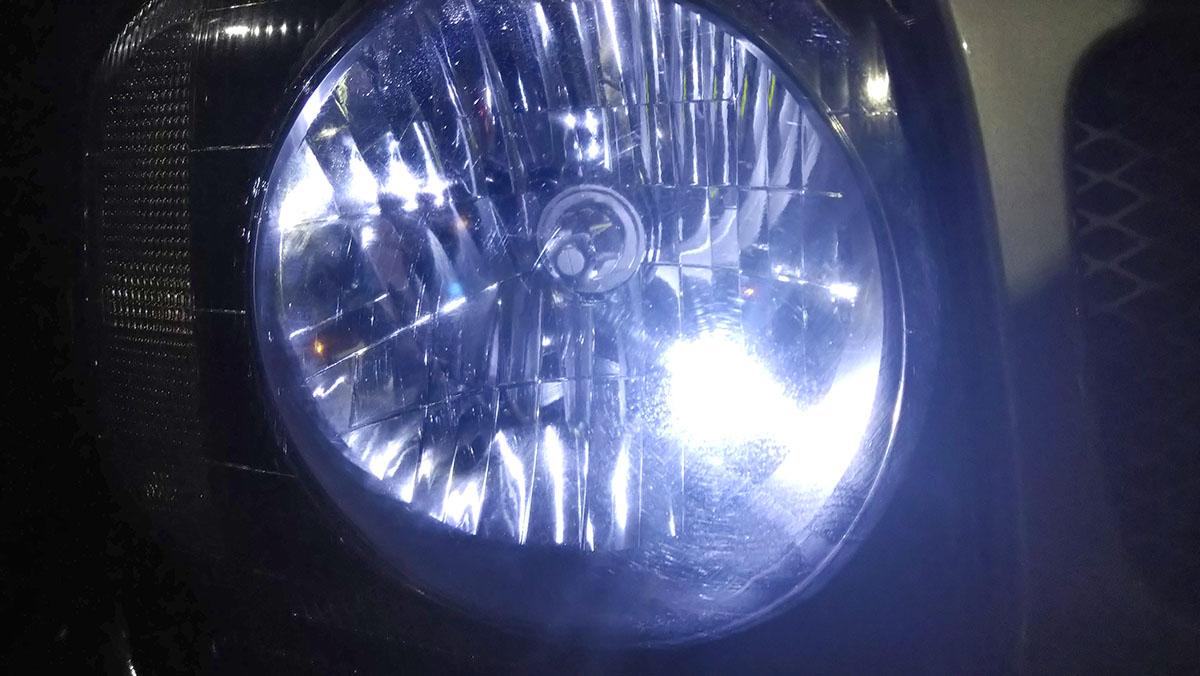 ジムニーJB23W ヘッドライトバルブ交換